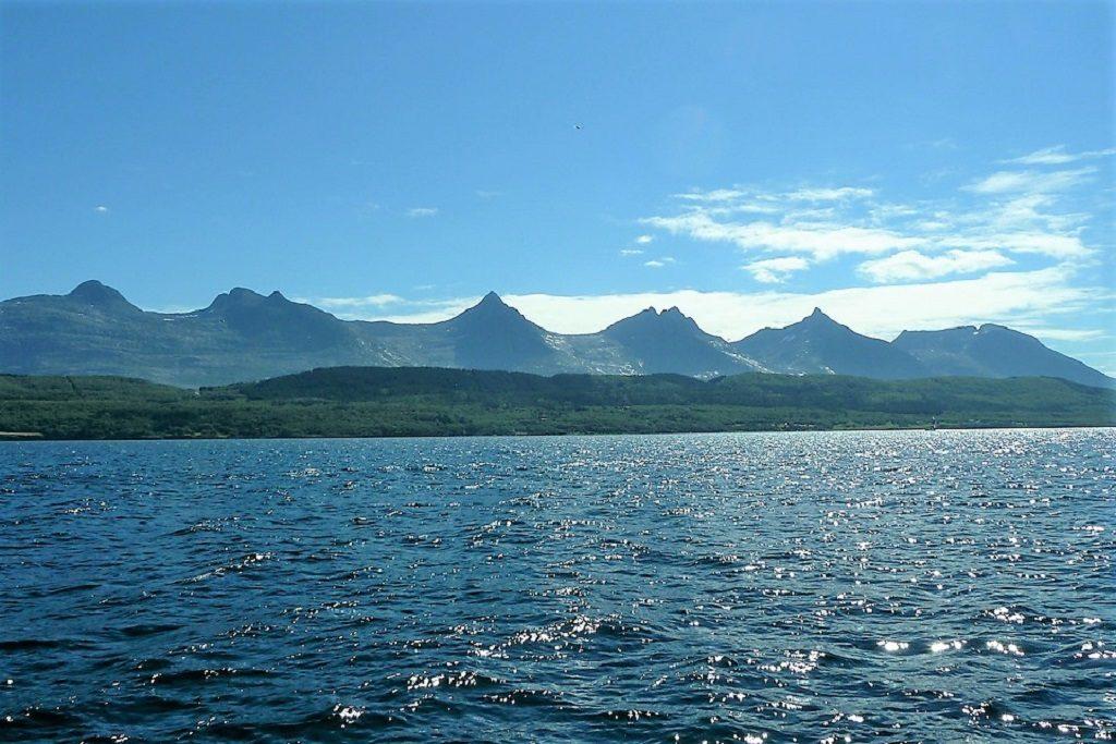 7 sisters mountain peaks in Norway